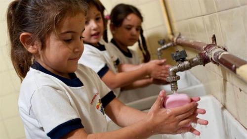 Este año, la Cumbre Mundial del Agua estuvo dedicada al suministro de agua, el saneamiento y la higiene en las escuelas.