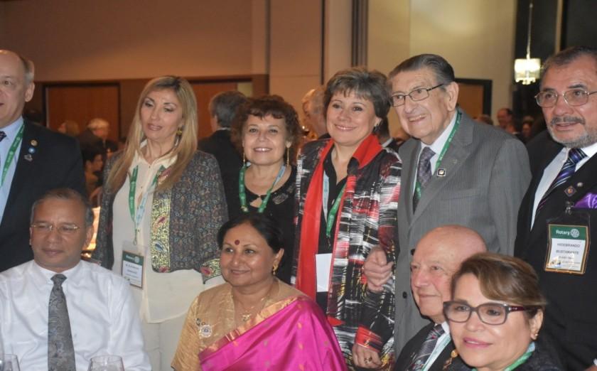 Nuestra Gobernadora electa del Distrito 4320 Sonia Garay, Lila Castro, EGD Mario Contreras, EGD Sergio Garay junto a nuestro PRI Ravi Ravindran y su esposa Vanathy